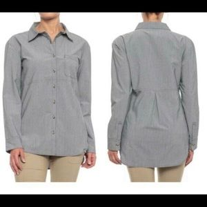 The North Face Shirt Grey Pleated Back